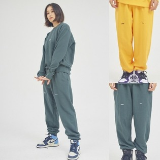 HLTDOK™ TYMAX LOGO EMBROIDERY SWEATPANTS  큐마일 로고팬츠